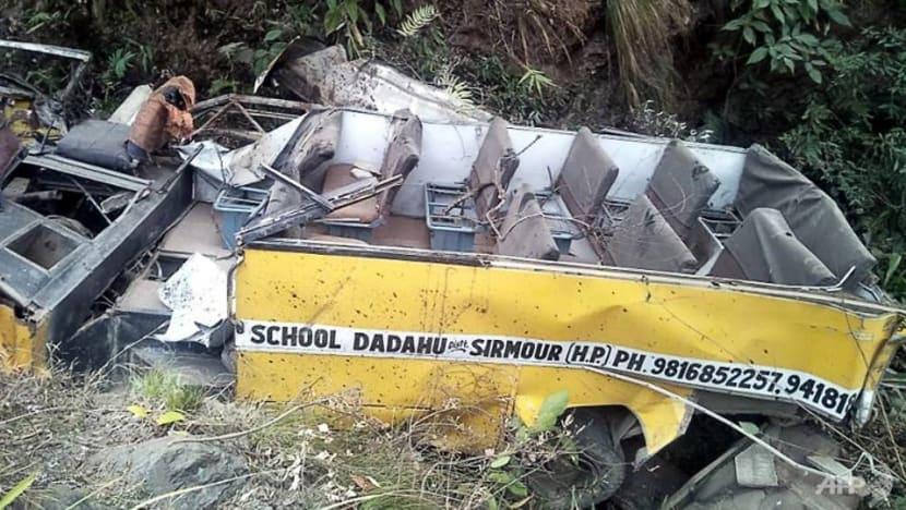 6 schoolchildren, driver killed in India bus crash