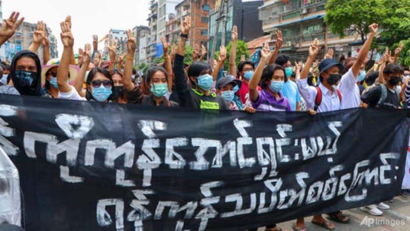 Myanmar protesters train to fight junta