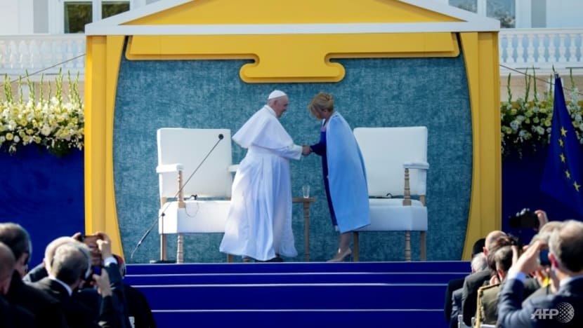Pope calls for Europe to show pandemic 'solidarity'