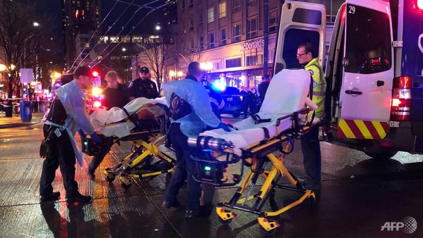 Seattle shooting leaves 1 dead, 7 wounded; suspects at large