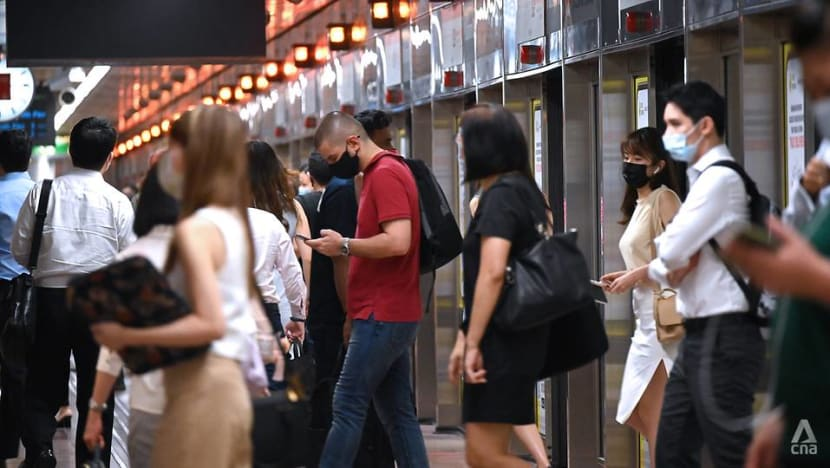 Employment grows more than expected in Q1, but uncertainties weigh on recovery: MOM
