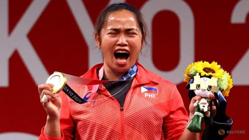 """Olympics-weighlifting-From """"plot"""" to pride for Philippines' first Olympic champion"""
