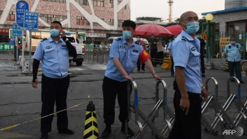 Beijing enacts more curbs to stop spread of COVID-19 out of Chinese capital