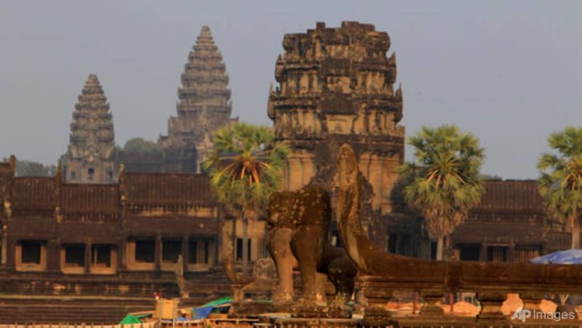 Cambodia's Angkor site shut for 2 weeks to curb COVID-19