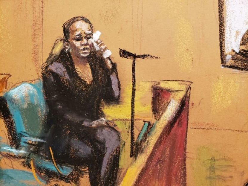 R. Kelly witness says she saw singer's sexual activity, was pressed to write apology letter