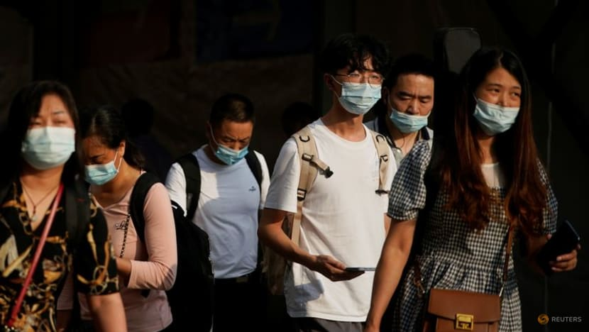 China reports 32 new COVID-19 cases