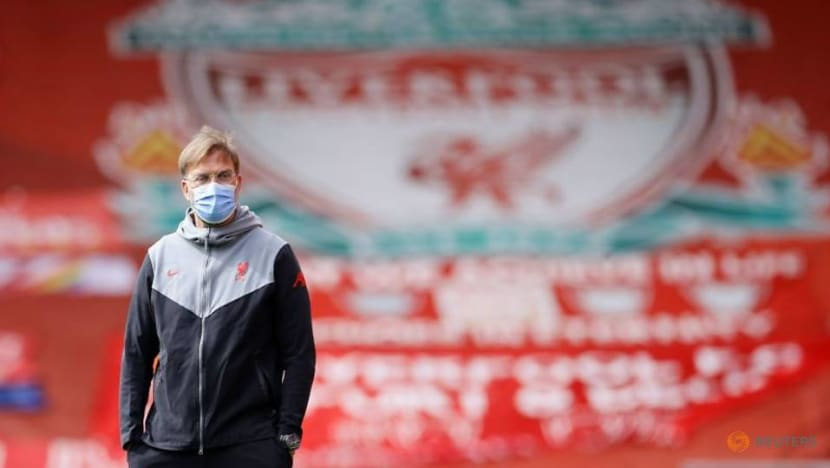 Soccer-High stakes add spice to Liverpool's trip to Man United, says Klopp