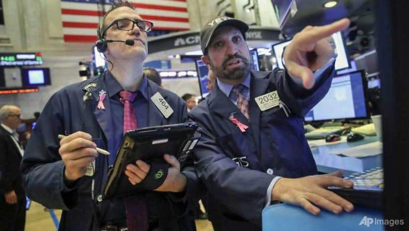 Wall Street rebounds after rout, Nasdaq +3.0%