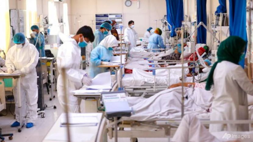 Amid brutal case surge, Afghanistan hit by a vaccine delay