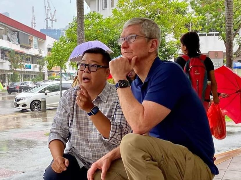 Apple's Tim Cook is in Singapore, tours Tiong Bahru with local photographers
