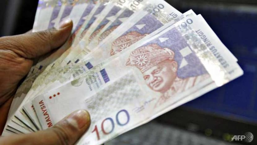Singapore dollar falls below RM3-mark for first time in 4 months