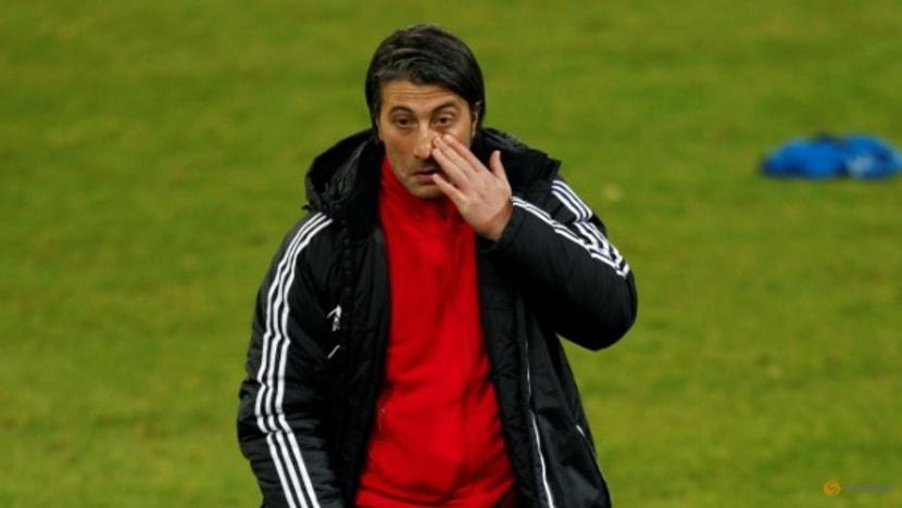 Soccer-Murat Yakin named as new Swiss coach