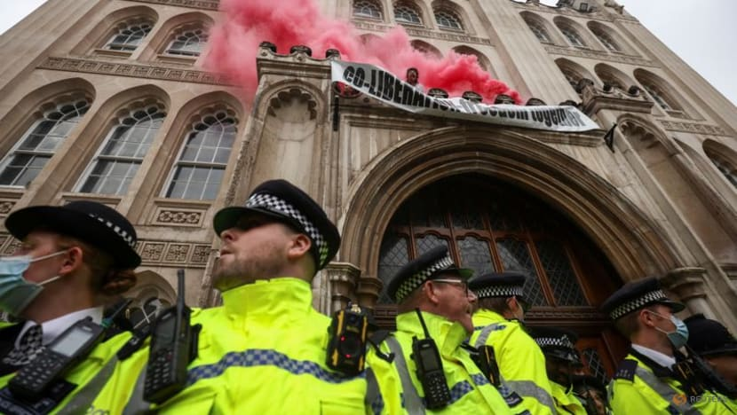 Climate change activists target City of London's Guildhall