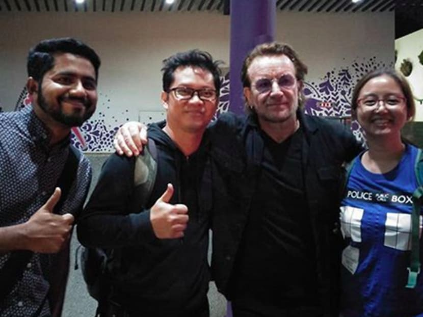 Fans snag wefie with Bono as U2 explore Singapore ahead of concerts