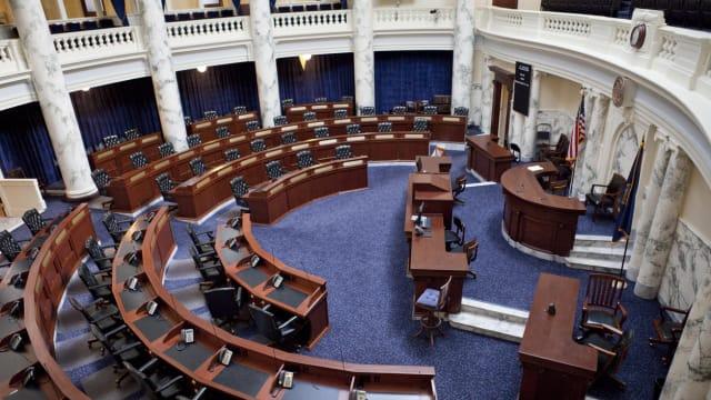 美众议院通过提高债务上限议案