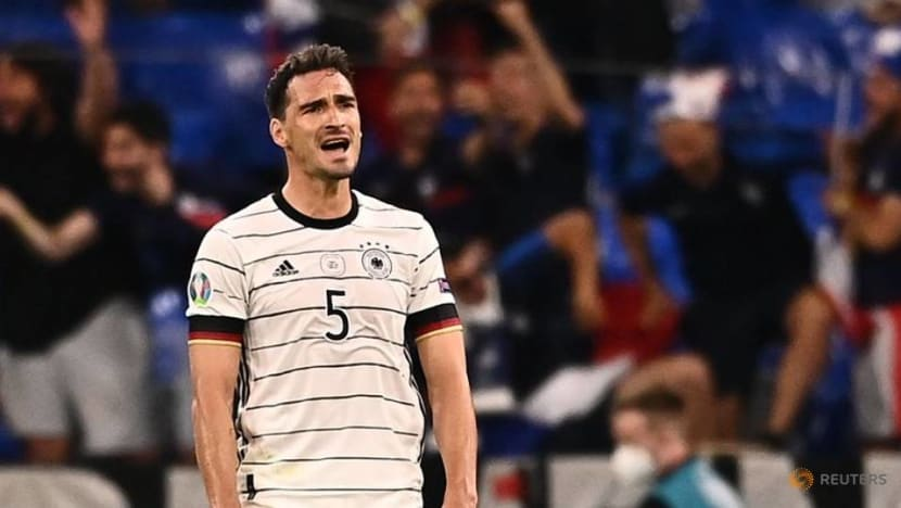 Football: Germany already on the back foot after losing opener to France