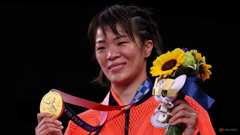 Olympics-Wrestling-Double glory for Japan from gold Kawai sisters