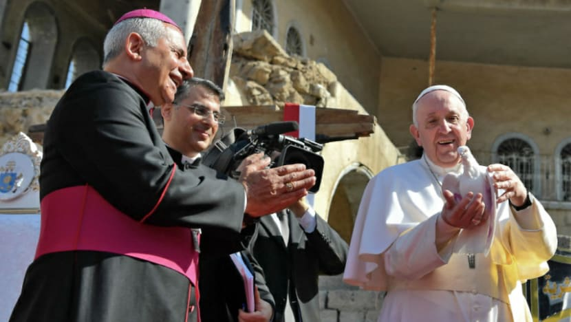 Pope Francis prays for 'victims of war' in north Iraq
