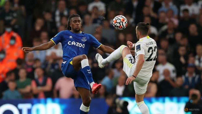 Football: Raphinha rocket earns Leeds 2-2 home draw against Everton