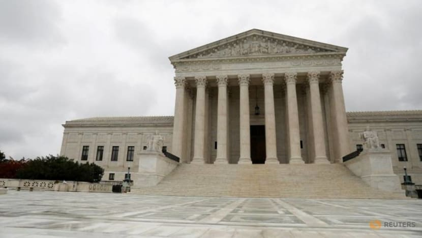 Conservative justices appear reluctant to immediately block Trump immigrant census plan