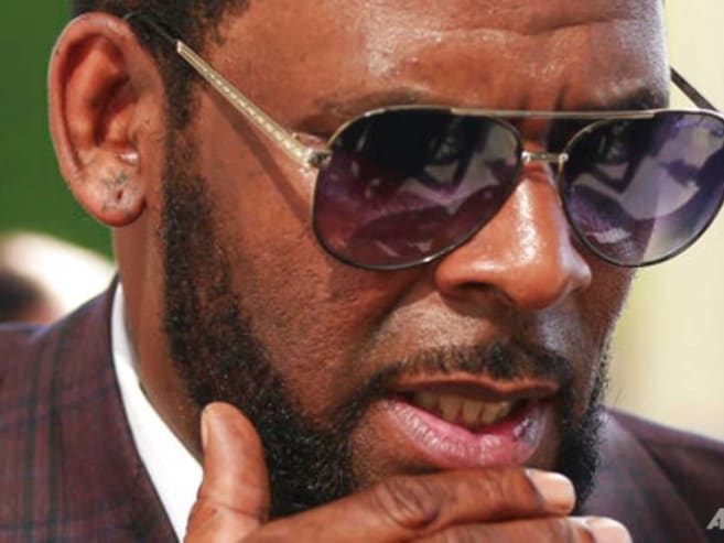 Prosecutors rest case against R Kelly after month of testimony