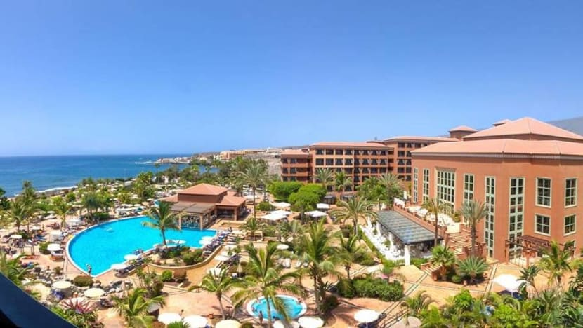 Canary Islands hotel on lockdown after COVID-19 case