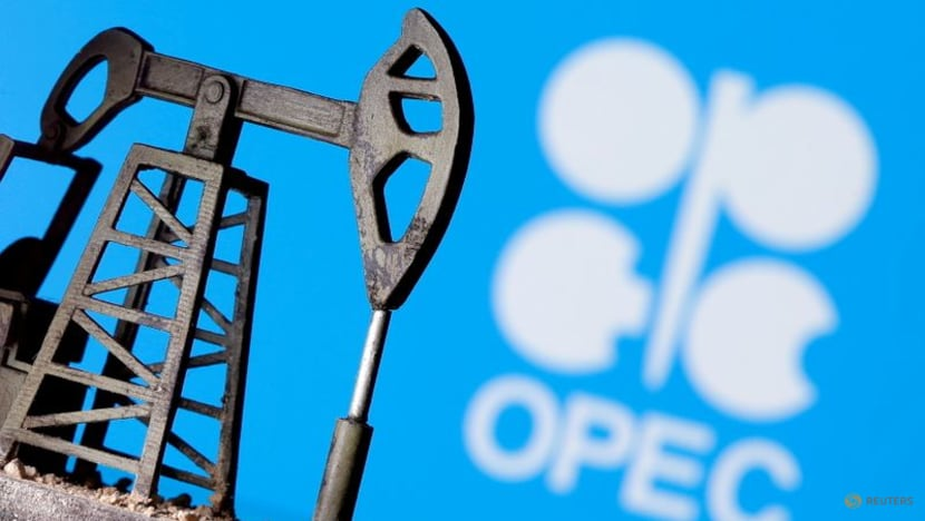 Oil market still faces uncertainties due to COVID-19, OPEC chief says