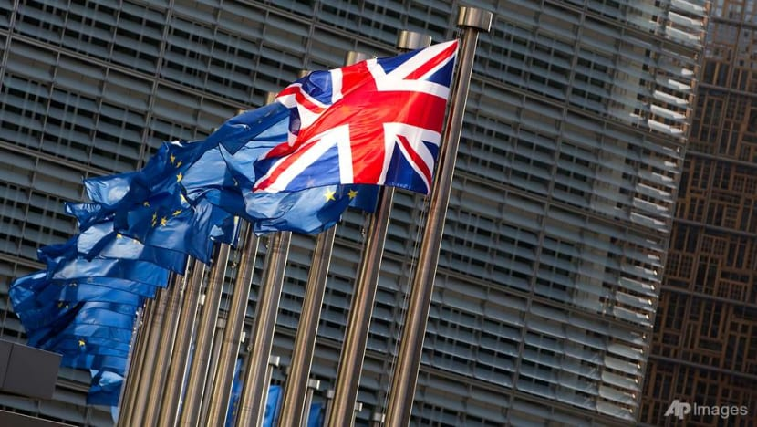 Britain, EU need new Brexit draft in week to avoid delay or chaos