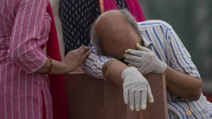 India records 1.57 million new COVID-19 cases in a week