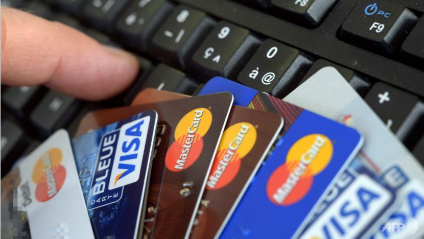 Man arrested for using lost credit card to make purchases