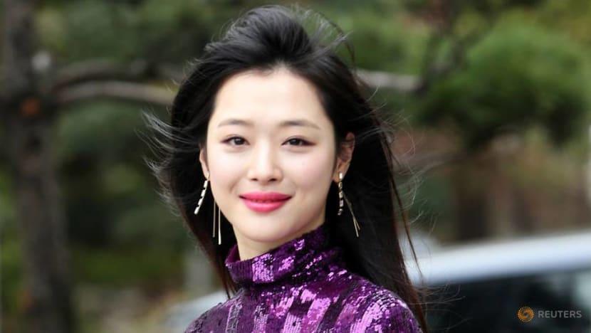 K-pop singer decries cyberbullying after death of 'activist' star Sulli