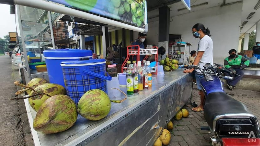 Indonesians turn to healthy drinks and food as COVID-19 rages, but authorities warn of overconsumption