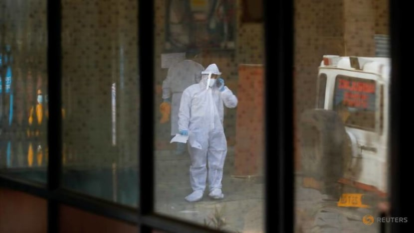 India COVID-19 cases set new global record for 4th straight day