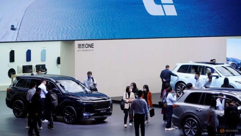 Li Auto's Hong Kong shares close down on debut, says considering mainland listing