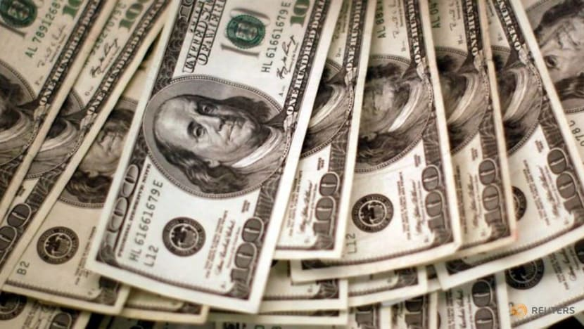 Dollar on defensive as US recovery story in doubt