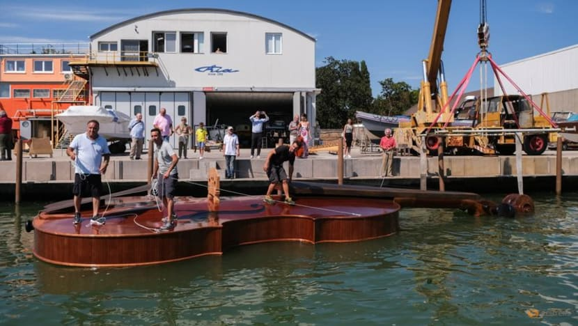 In Italy, floating fiddle makes test voyage