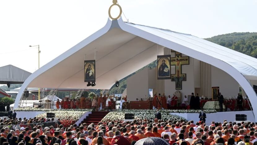 Pope Francis, in Slovakia, says don't exploit religion for politics