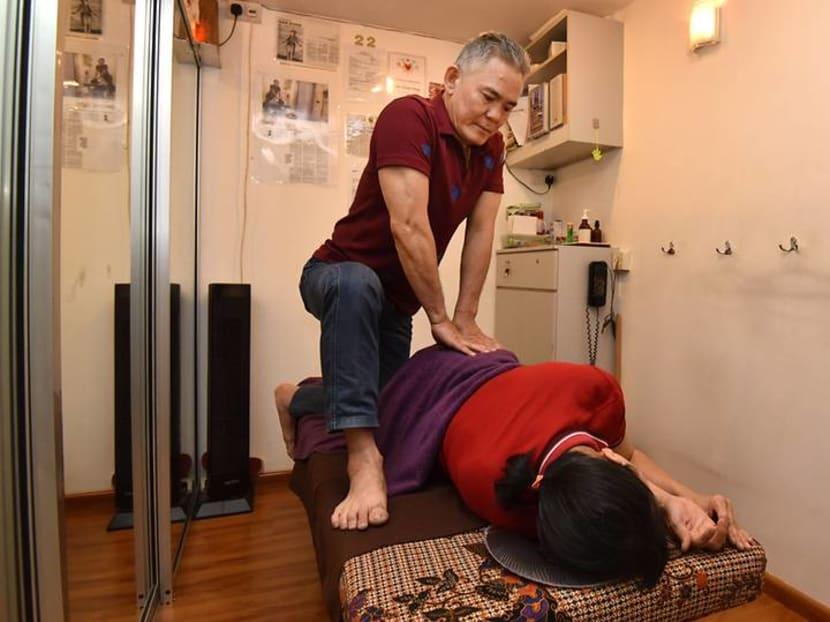 The blind masseur of Tanglin Halt