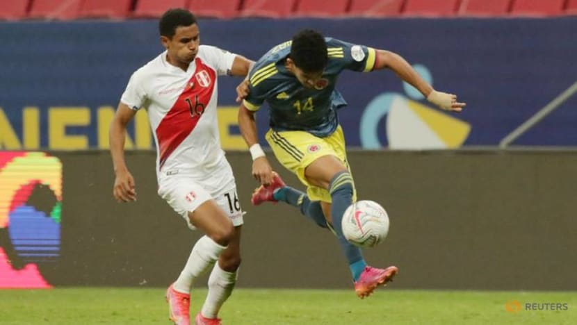 Soccer-Sensational Diaz winner gives Colombia third place in Copa