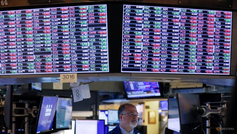 Europe shares fall, Wall St pauses as Evergrande fears hover; US yields rise