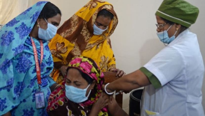 Bangladesh vaccinates hundreds of sex workers at largest brothel