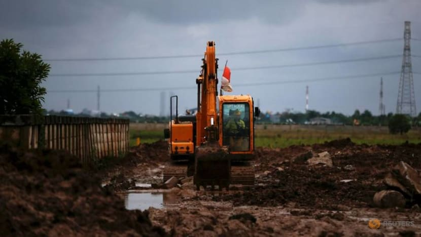 Jakarta expands graveyards as COVID-19 death toll mounts