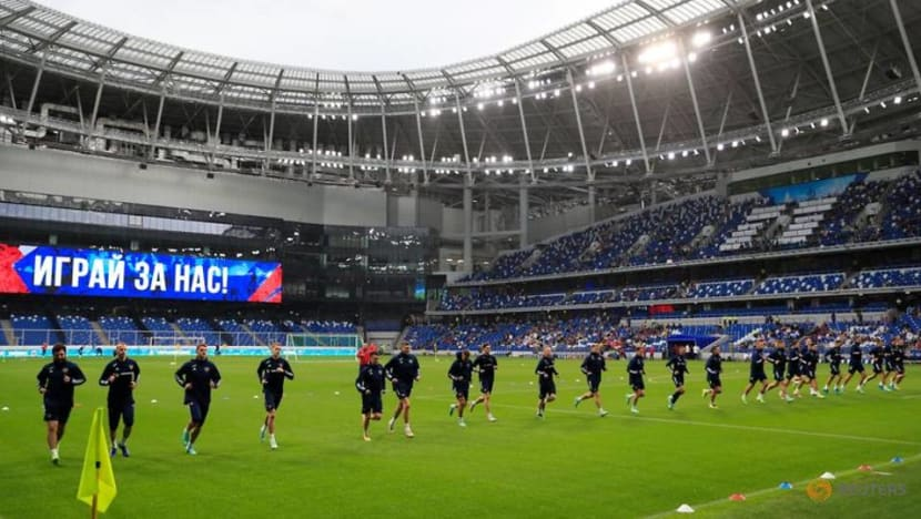 Soccer-Russia aim for knockout stage at Euro, says sports minister