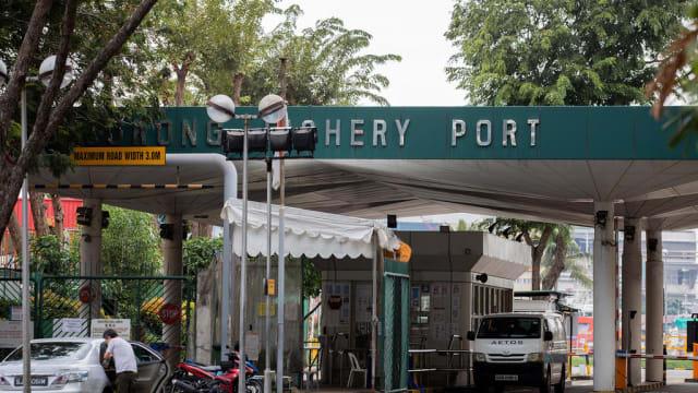 两座巴刹脱离跟裕廊渔港感染群有关的名单