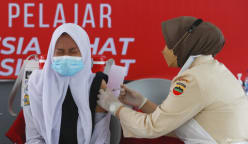 After struggles to secure COVID-19 vaccines, Indonesia and Philippines look to get jabs back on track