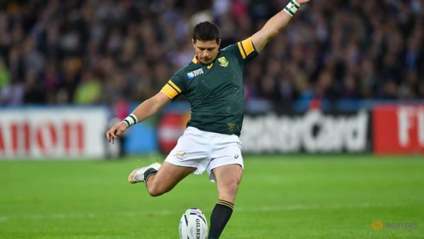 Rugby-Boks recall veteran flyhalf Steyn for British & Irish Lions tour