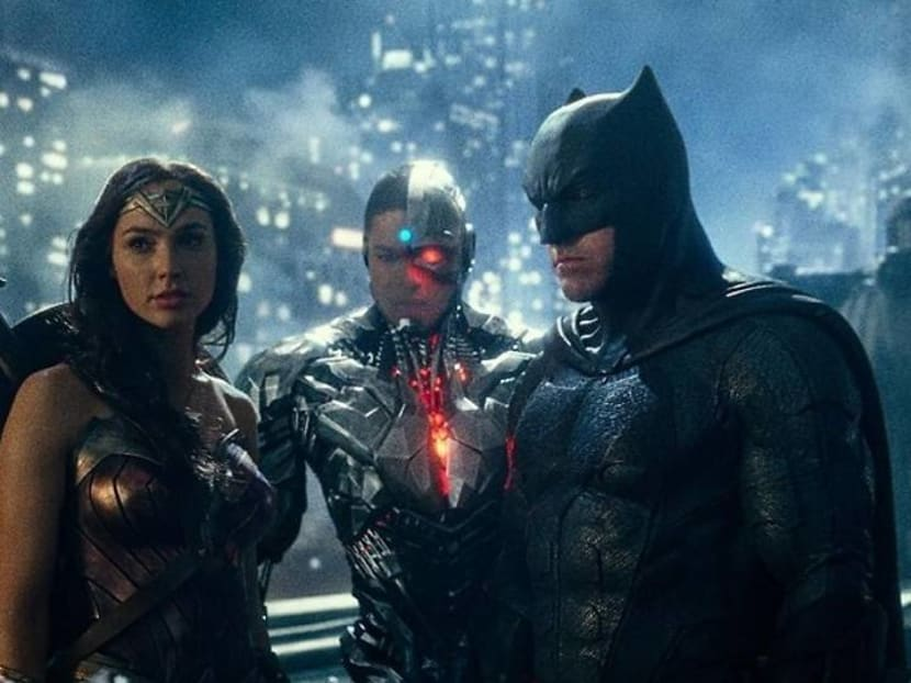 Director Zack Snyder reveals first teaser for his version of Justice League