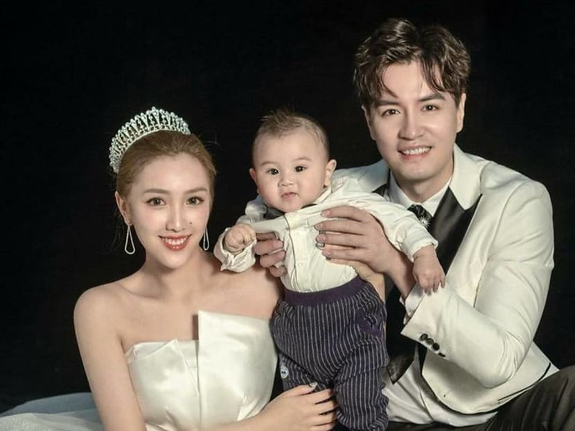 Surprise! Actor Zhang Zhenhuan and wife post photos of their baby boy