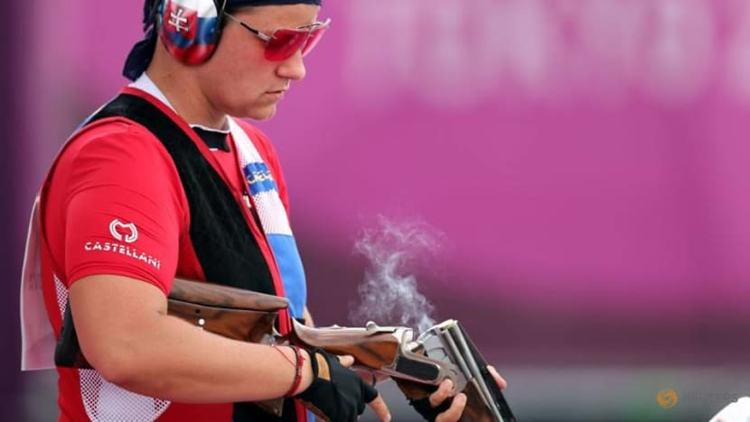 Olympics-Shooting-Perfect Stefecekova guns for gold in women's trap