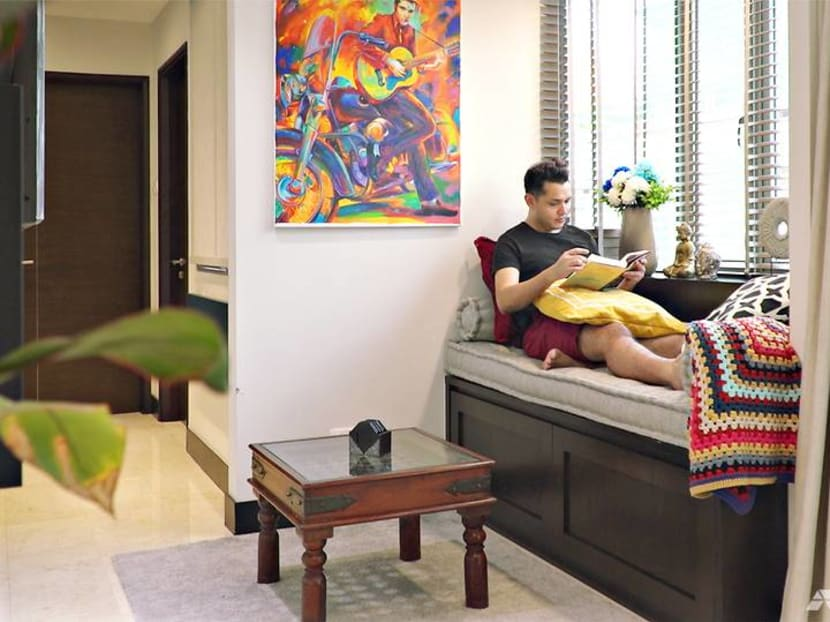 Transforming a 517 sq ft condo into a colourful, cosy home fit for a busy bachelor